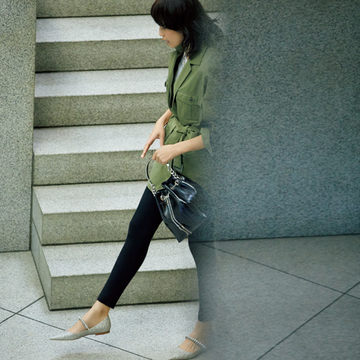 """ジミー チュウの""""上品インパクト靴""""で足もとをより美しく【春ファッションに加えたい!マダム戸野塚厳選のフラット靴】"""