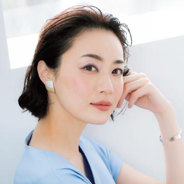 チークの天才・千吉良恵子発「たるみ消しチーク」でリフトアップ! 基本の2ステップ