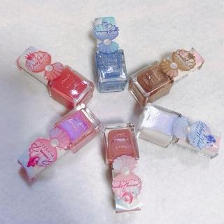 ¥300で夏らしい手もとに。もちも発色も素晴らしい「パラドゥ」のミニネイル【マーヴェラス原田の40代本気美容 #241】