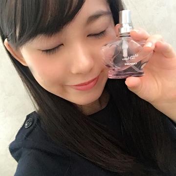 髪からふわっと漂う甘い香りもプチプラ♡canmakeの香水