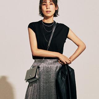 トレンド継続中のかわいいアイテム「プリーツスカート」の今季らしい着こなし方