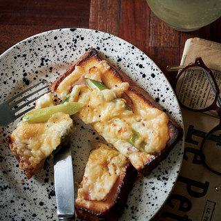 甘じょっぱいフレンチトーストにすっきりとした北海道白ワインをペアリング【平野由希子のおつまみレシピ #83】