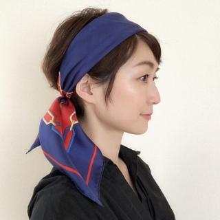 なれるものならパリジェンヌ!小粋なスカーフ使いとは?