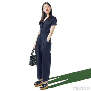 新木優子は黒のオールインワンでちょっぴりモードな夏コーデ【毎日コーデ】