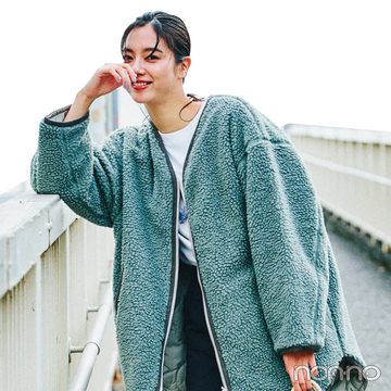 新川優愛の冬私服♡ ボリュームトップスには黒パンツですっきり女っぽシルエット