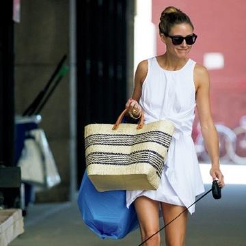 海外セレブのワンマイルスタイル withマーケットバッグをのぞき見!