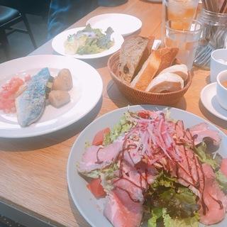 軽井沢の有名店沢村のレストランでヘルシーランチ♡