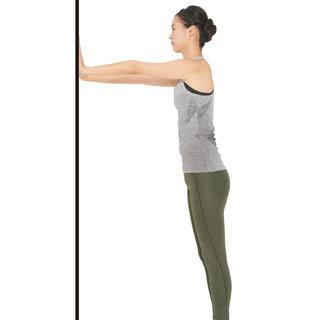 肩甲骨の可動域を広げて肩こりも、丸い背中も改善!