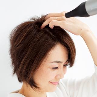 アラフォーの髪悩み「薄毛」問題はスタイリングが強い味方!