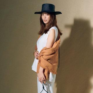 白黒コーデに女っぽい「暖色」をプラス!最新配色レッスン