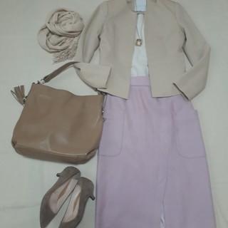 冬のマンネリコーデも解決!春色の冬素材スカートで気分を先取り_1_2-2