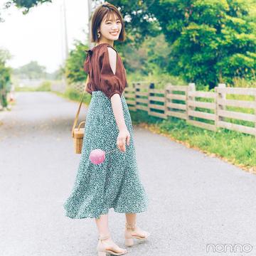 肌見せトップスと花柄スカートのコンビで女子会&夏イベへGO!【毎日コーデ】