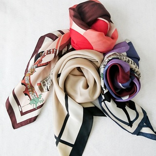 秋はスカーフでお洒落増し♪