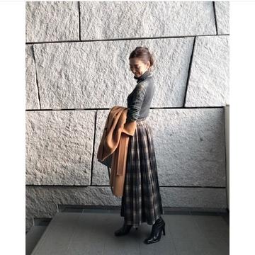 渋めチェックの揺れスカート