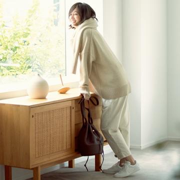 【富岡佳子のプライベートスタイル】「ワントーン」や「セット買い」で、安心と心地よさを手に入れる
