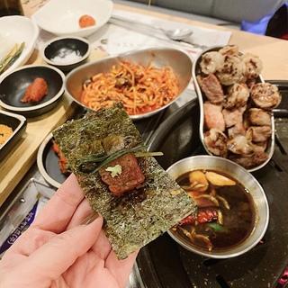 ソウル2019冬。本当に美味しかった店だけ①海苔で食べる熟成サムギョプサル