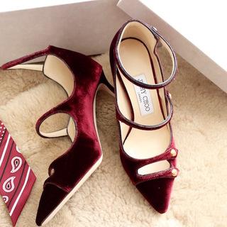 ボルドーカラー×ベルベットの女っぷり靴