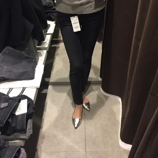 ZARAのパンツを履き比べ