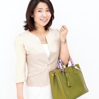 本番を支える、体調管理と予習のための職人アイテム【働くアラフォーのバッグの中身】
