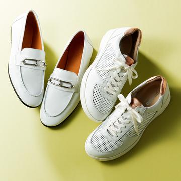 エクラ副編集長Uの春コーデは白い靴2足で軽快に【おしゃれプロのスニーカーともう一足】