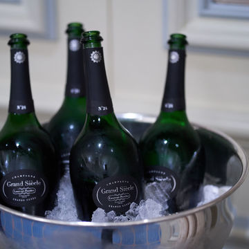 """""""偉大なる世紀""""を祝う幸福のシャンパーニュ、「ローラン・ペリエ グラン シエクル NO.24」【飲むんだったら、イケてるワイン/特別編】"""