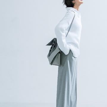3. メンズライクで女らしい、鮮度マックスのパンツスタイル