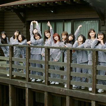 ハロプロ「アンジュルム」初のアーティストブックを蒼井優&菊池亜希子が責任編集!
