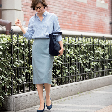 【秋の着回し】お仕事シーンには膝下スカートをはいて清潔感たっぷりに