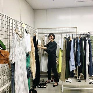 私服コーディネート中の富岡さんをスナップ!