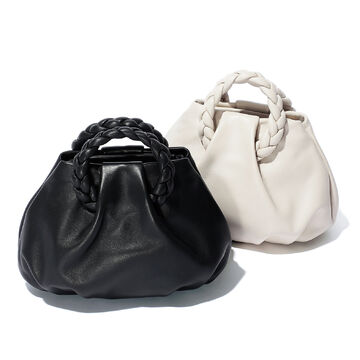 使い勝手の良さならやっぱりこの色!黒&ナチュラルカラーの名品バッグ
