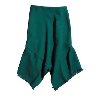 女っぷりがあがる、アシンメトリーヘムのスカート