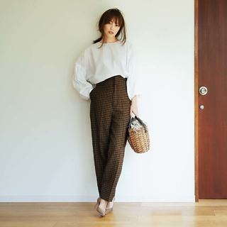 アラフォーに似合う秋のトレンドファッションコーデ20選。理想の女らしさを演出して