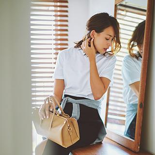 """Tシャツは""""女っぷり高く""""着るのが40代の「新しい着こなし方」"""
