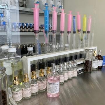 【 香水 】自分だけのものを作れるお店
