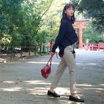 GUの「ライトなグレー」パンツで2年ぶりの京都へ