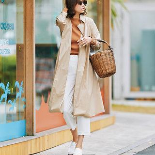 ◇いつもの通勤の通りも白い靴だと足取りが軽くなる