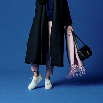 重くなりがちな着こなしが、靴のチョイスで見違える。冬こそ「スニーカー」! 五選
