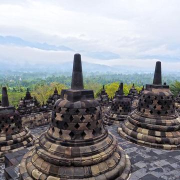 ボロブドゥールのうつろいを眺める プラタラン ボロブドゥール【インドネシアのお薦めホテル】