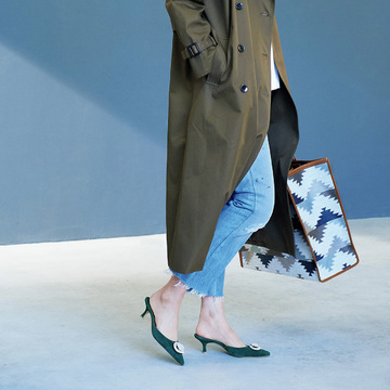 シンプル服でも一気におしゃれに。「ちょい攻め靴」はアラフィーの味方です! 五選