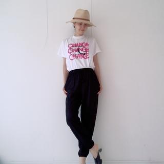 【ユニクロ】ジョガーパンツ+Tシャツコーデ
