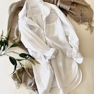 私のブリッジアイテム、白シャツ