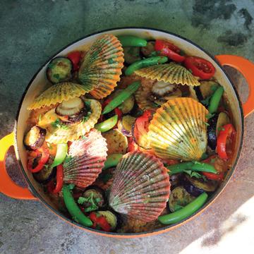 <有元くるみさんレシピ>高知の食材を使った「長太郎貝のパエリア」【有元葉子、美味しいものは高知にあり】