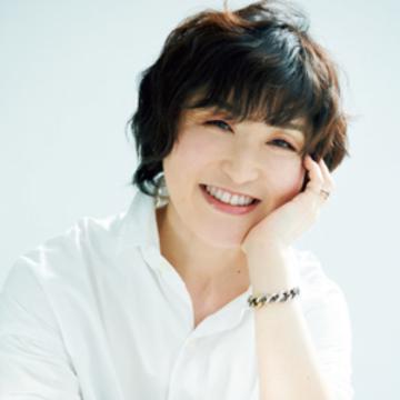 スタイリスト 室井由美子