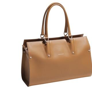 熟練した職人が仕上げた、ロンシャンを代表するバッグ