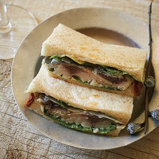 暑い夏におすすめ!クラフトビールに合う鯖のサンドイッチ【平野由希子のおつまみレシピ #22】