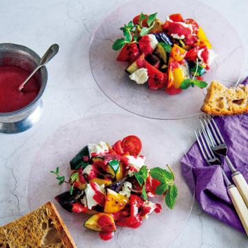 色鮮やかで驚くほどにオールマイティ! 夏野菜のソテーサラダ×ラズベリードレッシング【ドレッシングに凝るサラダ】