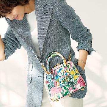グッチのフラワープリントバッグで春支度【富岡佳子が装う、春いちばんの服】