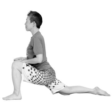 【ぐっすりヨガ<STEP2>】股関節まわりや脚の裏側を伸ばす「ランジ〜脚裏伸ばし」