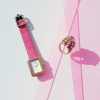 気分の上がる色と、いつでも一緒「ピンクのジュエリー&ウォッチ」