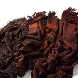 「ブラウンストール」手持ちのベーシックコートの鮮度アップに、一枚あって損はなし!